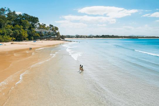 Little-cove-beach-noosa-heads-sunshine-coast-1200x800
