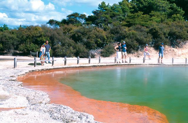 Champagne Pool, Wai-O-Tapu, Rotorua, New Zealand.