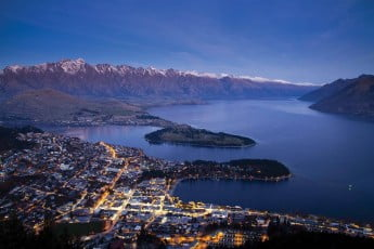An ariel view of Queenstown at dusk.