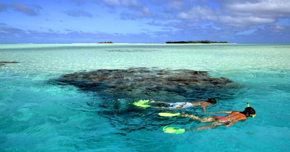 Snorkelling in Aitutaki Lagoon, Cook Islands.