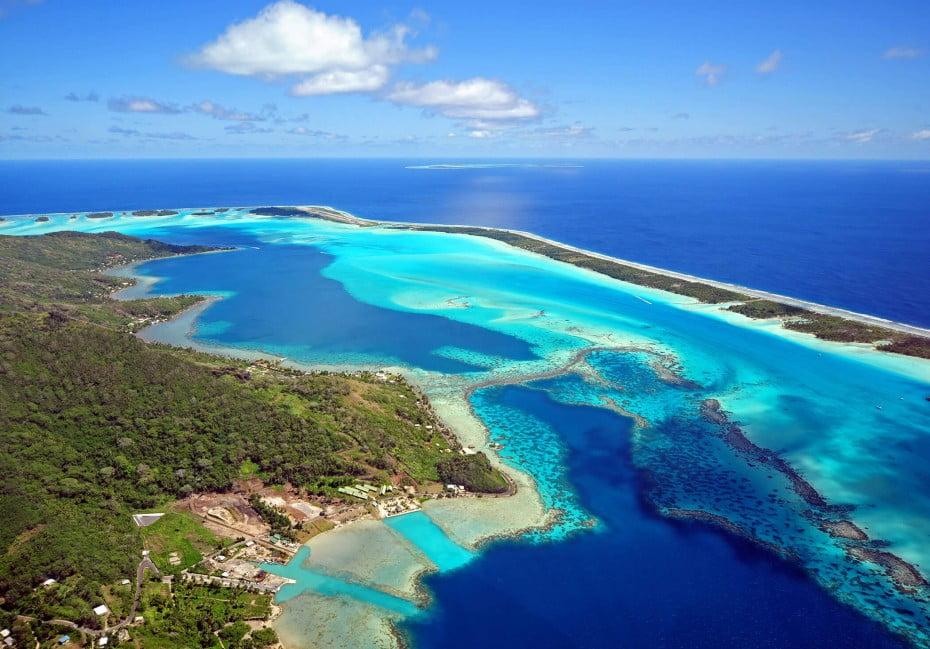 Bora Bora aerial, Tahiti.