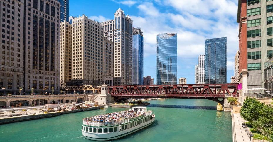 Boat cruise, Chicago, United States.