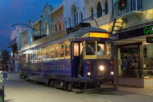 南島最大の街、クライストチャーチ(Christchurch)へ - トラムレストラン