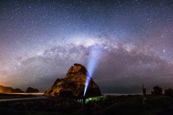 ニュージーランドで感動体験、満天の星空 - ピハビーチ