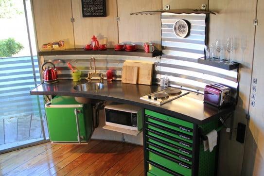ニュージーランドでユニークな体験 - サイロ・ステイ(Silo Stay) - キッチン