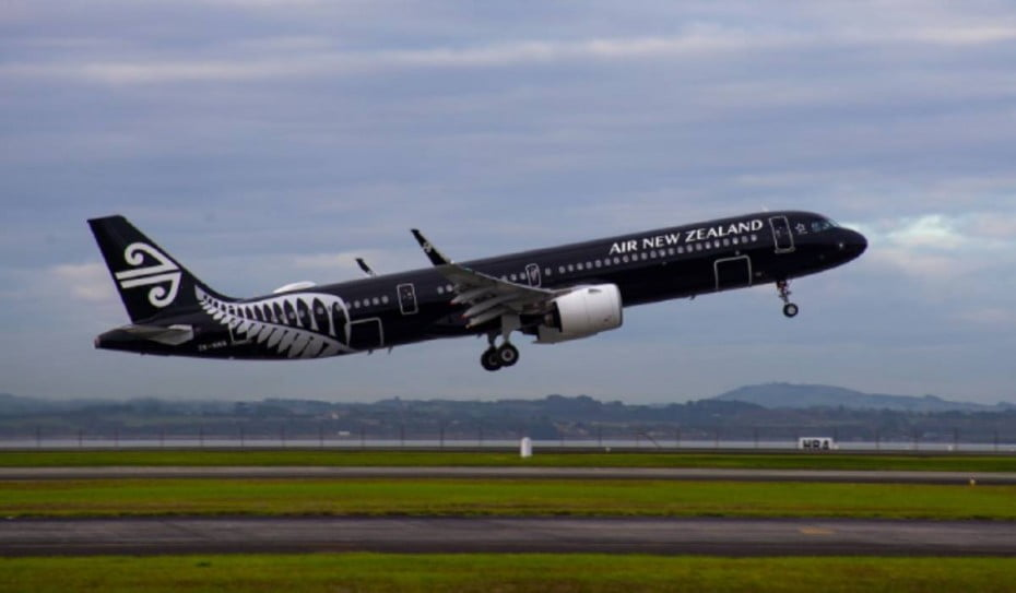 Air New Zealand flight NZ191 departs Auckland for Adelaide 5 May 2021