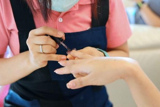 Manicure, Vietnam.
